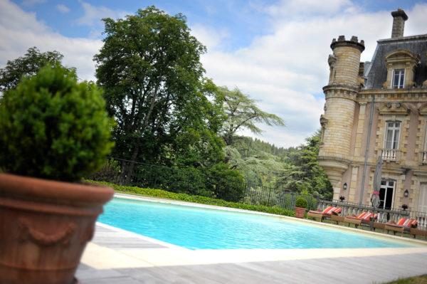 piscine-chateau-hotel-vals-bains-ardeche-1