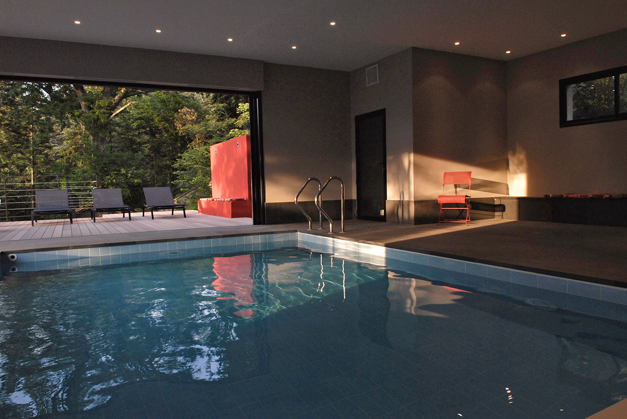 Les piscines for Hotel piscine interieur