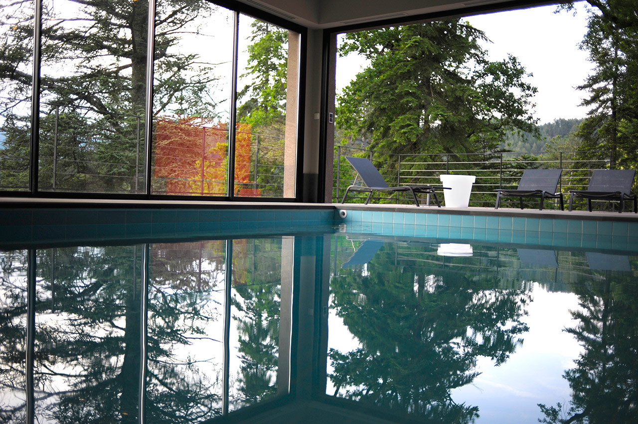 ... Piscine Interieure Chateau Hotel Vals Bains Ardeche 2