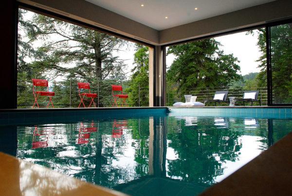 piscine-interieure-chauffee-ardeche-1